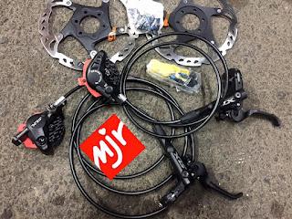 Brake Set Shimano Slx m7000 dan rotor Xt Dijual Murah