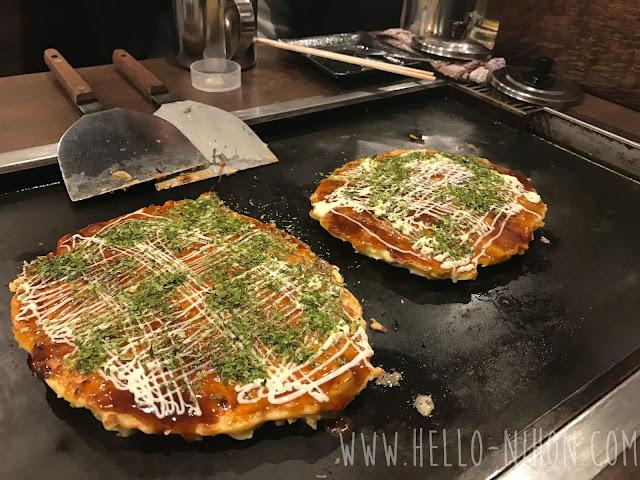Okonomiyaki with mayo and seaweed