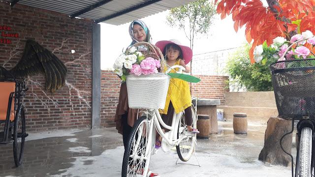 Sepeda Cinta Bajak Laut