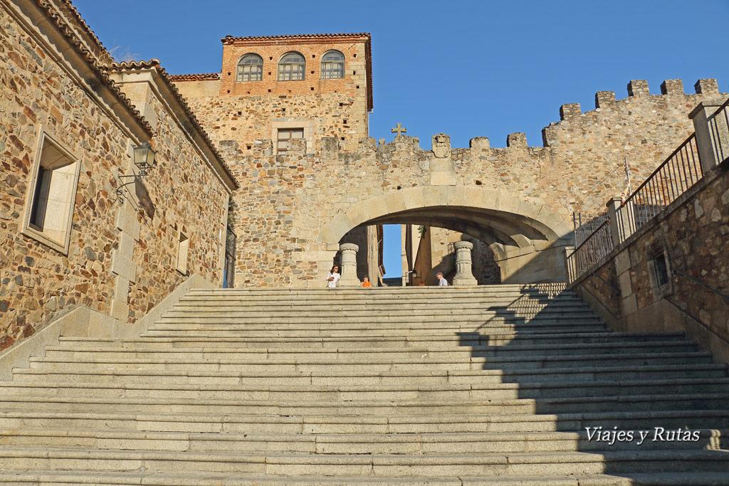 Arco de la Estrella, plaza mayor de Cáceres