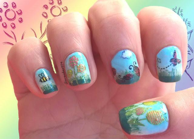 Diseño de uñas de primavera con flores