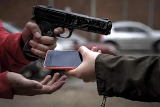 Policia prende ladrões de celular em Buíque.