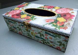 Imieninowe pudełko na chusteczki…