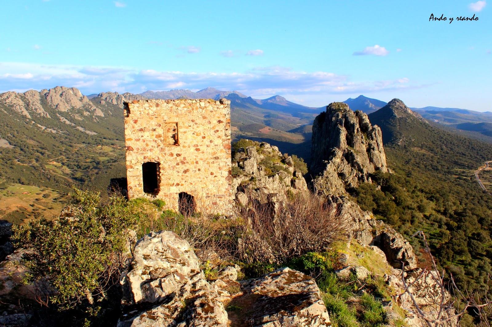 Castillo árabe  de Cabañas del Castillo-Cáceres