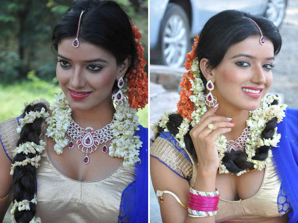 exposing photos of telugu actresses