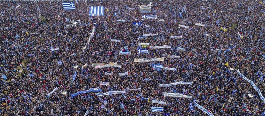 «Γελάει ο πλανήτης» με την ανακοίνωση της ΕΛΑΣ: «140.000 άτομα συγκεντρώθηκαν στο Σύνταγμα»