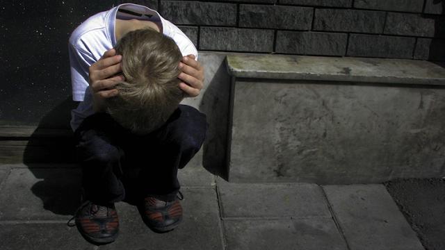 """""""Me di por vencido"""": la conmovedora carta de un niño de 13 años antes de suicidarse por """"bullying"""""""
