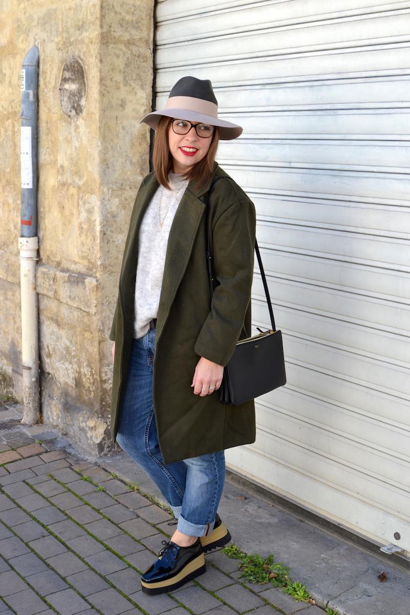 jean H&M,pull gris H&M, chapeau kaki et rose pastel, manteau kaki de Sheinside, chaussures plateforme Sammydress