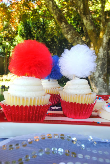 4th of July tulle pom toppers created by Fizzy Party