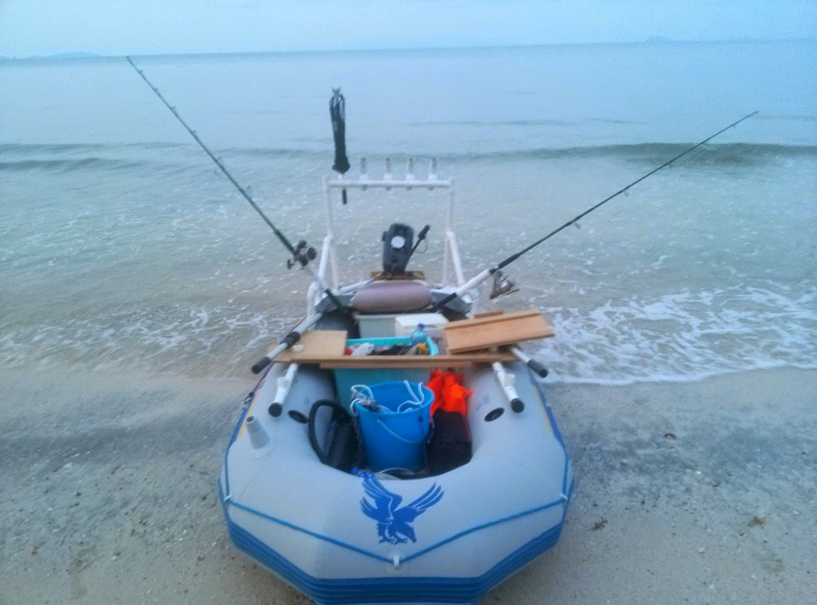 Intex seahawk ii inflatable boat unpack and set up for Seahawk fishing boat