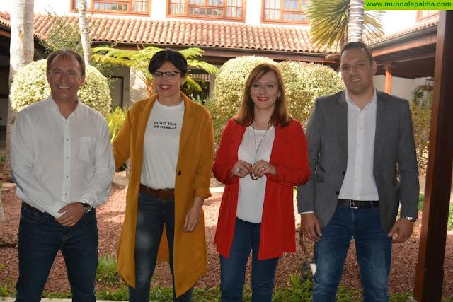 """Lady Barreto encabeza la lista de CC al Parlamento canario:""""Somos dos mujeres y dos hombres que nunca levantaremos la mano en contra de La Palma"""""""
