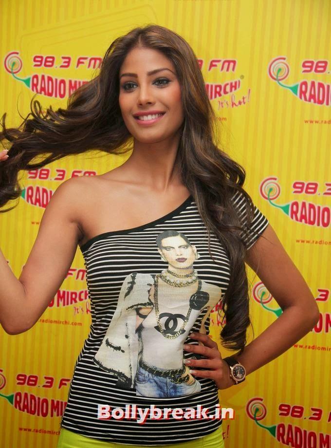 , Hot Nicole Faria Promotes Film Yaariyan