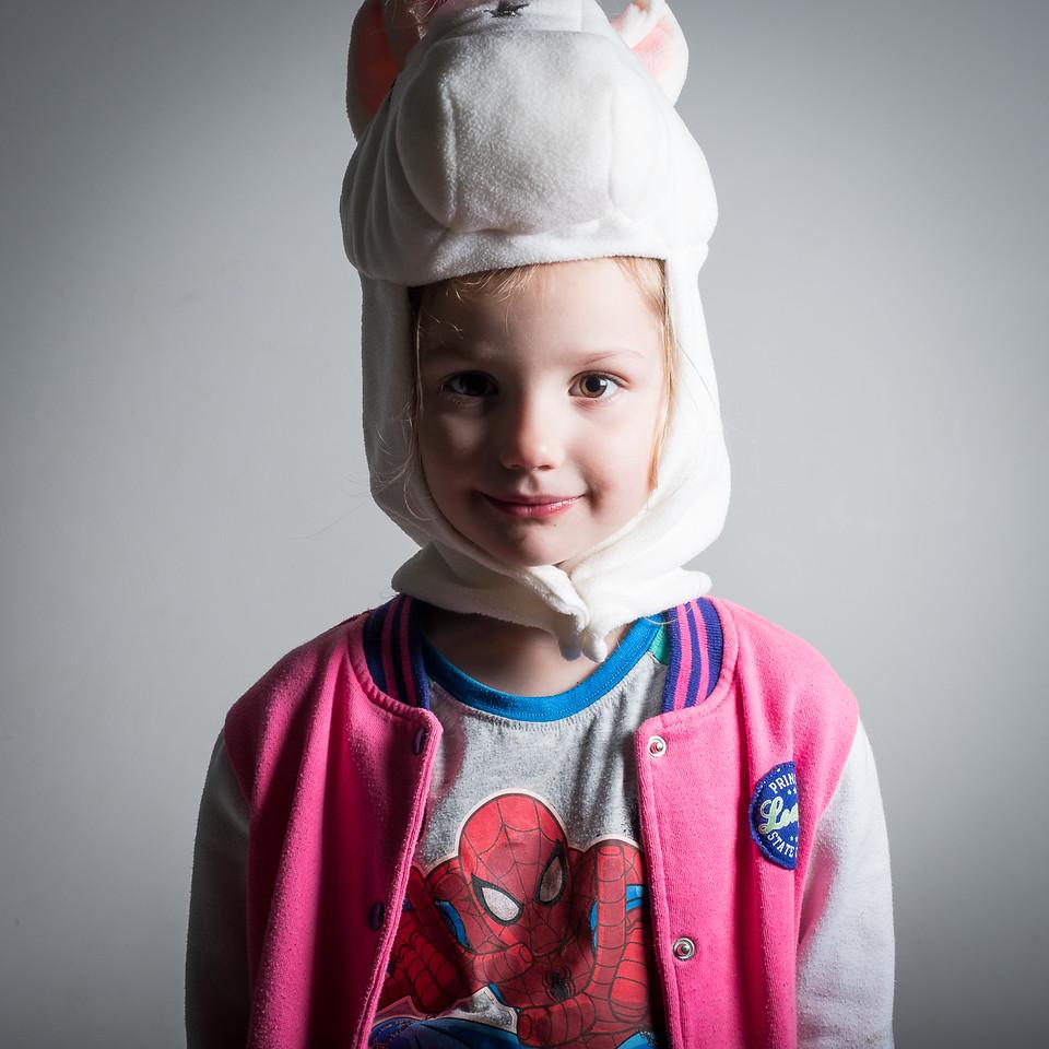 Портрет ребенка, сделанный со вспышкой Godox TT350-F и софтбоксом