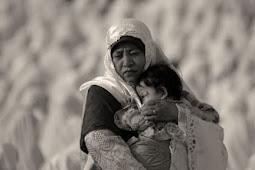 8 Puisi Ibu Sedih, Mengharukan, dan Ungkapan Sayang Untuk Ibu