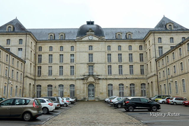 Centro de Finanzas, Bourges
