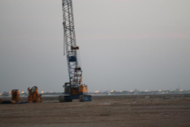 Picture of the crane on Kingdom Tower construction site