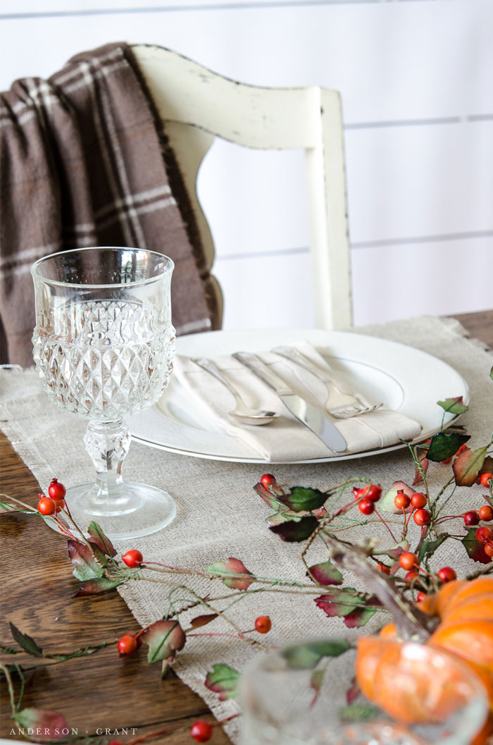 Simple and elegant farmhouse decorating on this Thanksgiving table.  |  www.andersonandgrant.com