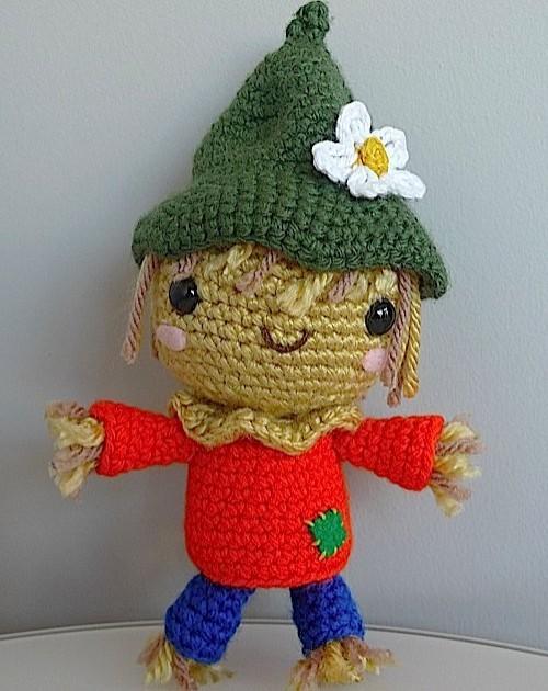 Scarecrow Amigurumi - Free Pattern