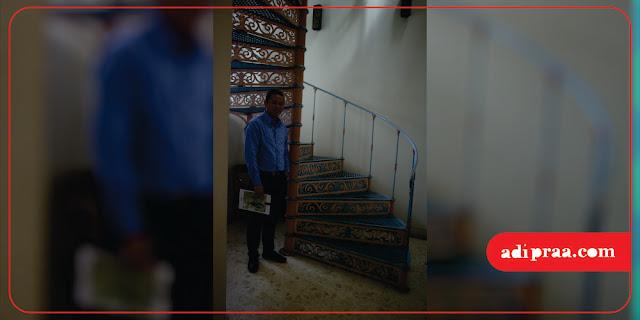 Tanggal putar klasik di dalam bangunan hotel | adipraa.com