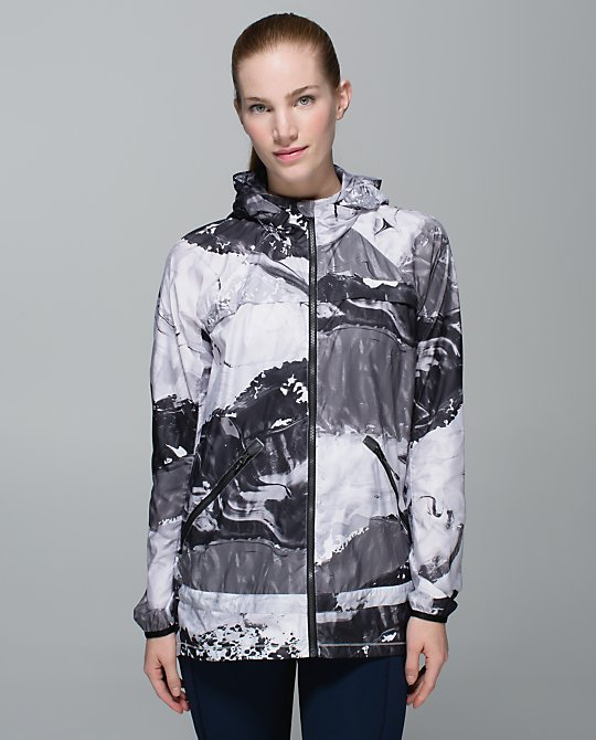 lululemon-miss-misty-jacket biggie-pigment-wave