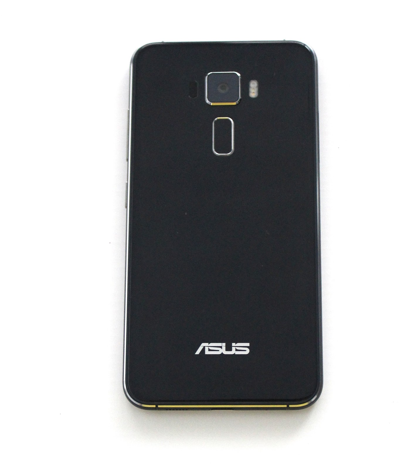 Unboxing Asus ZenFone 3 Hands On And Full Review