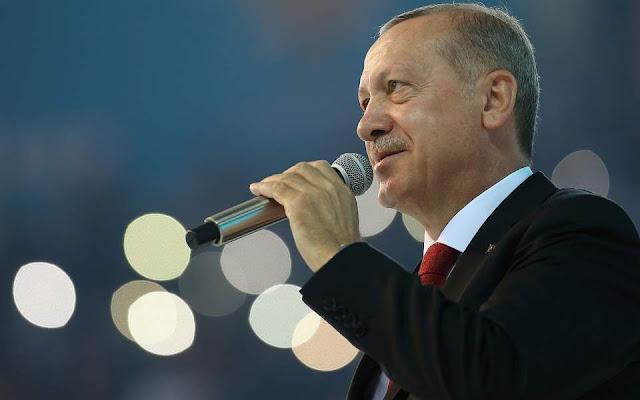 Ερντογάν κατά ΗΠΑ: «Η επίθεση στην οικονομία ισοδυναμεί με επίθεση στη σημαία»