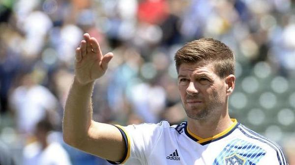 Aremania Minta Manajemen Arema FC Datangkan Steven Gerrard