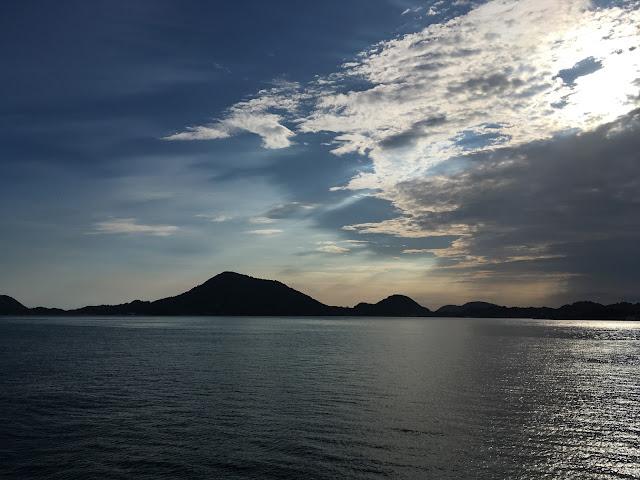 イメージ画像: 海と空