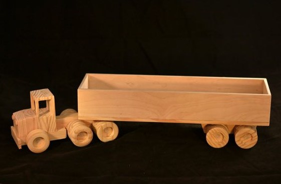 gambar miniatur truk kontainer kayu