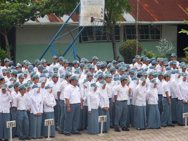 Di Padang, Siswi-Siswi Kristen Pun Terpaksa Berjilbab
