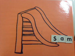 Using a slide to teach words to preschoolers