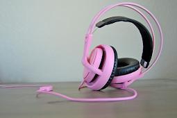 Apa perbedaan Headset dan Earphone?