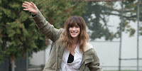 Colossal (2017) Anne Hathaway Image 1 (1)