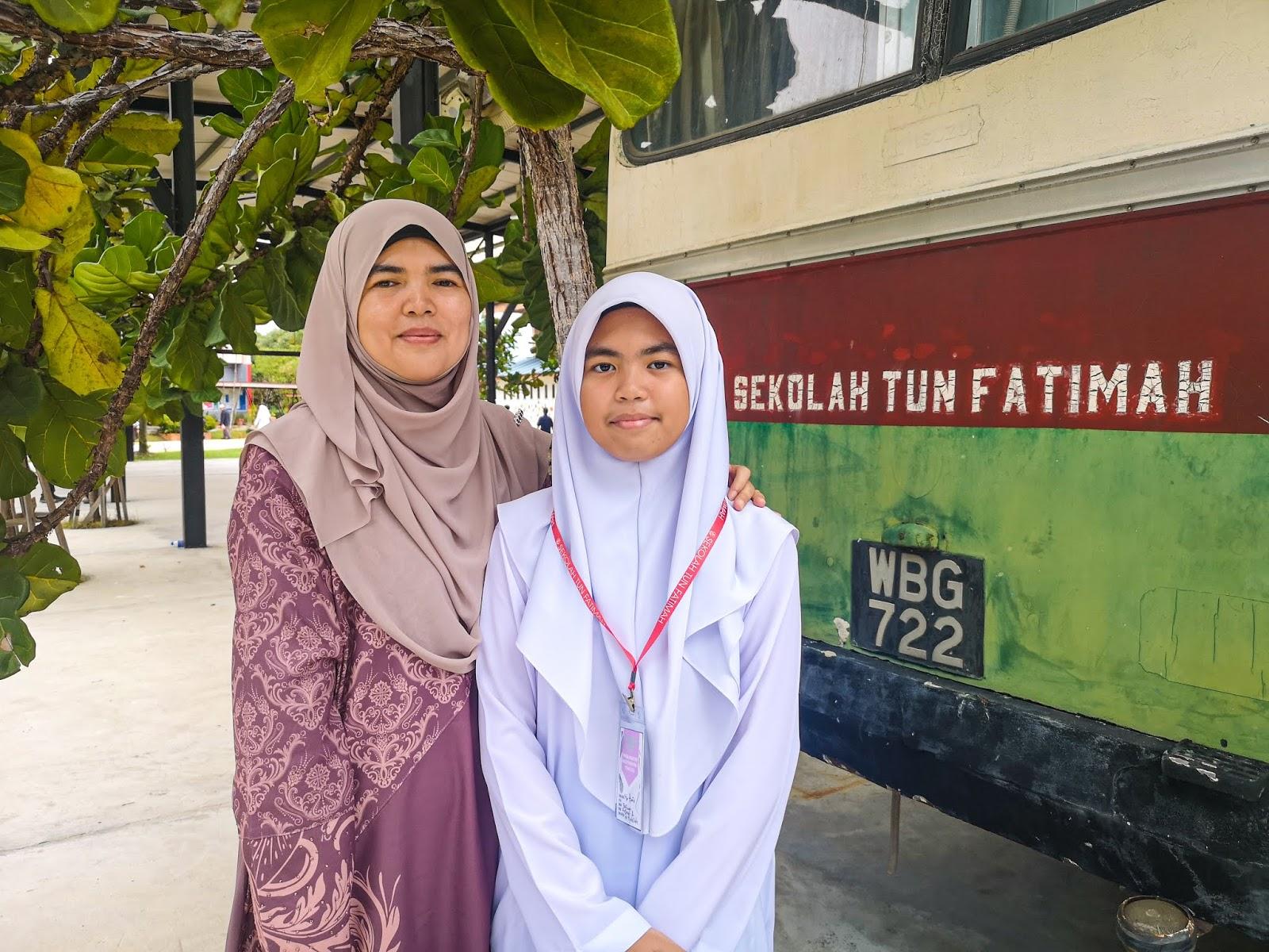 Hanis Ke Sekolah Tun Fatimah, Johor - bersama Umi