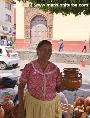 Artisan from Michoacán at the Palm Sunday Artisan Expo in Uruapan