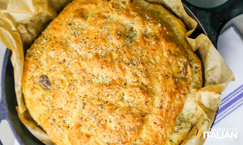 No-Knead Roasted Garlic Skillet Bread (With Video)