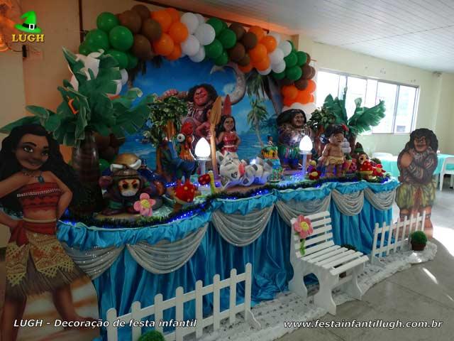 Mesa decorada luxo tema Moana para aniversário