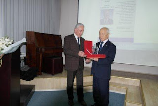 2015 Eğitim Onur Ödülü Prof Dr. Cahit Kavcar'a Verildi