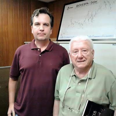 Jean Tosetto e Luiz Barsi Filho na sede da Elite Corretora em São Paulo. (foto: Tiago Reis)