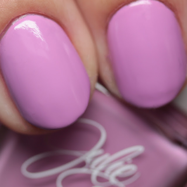 Julie G Nails Dream in Pretty 70115
