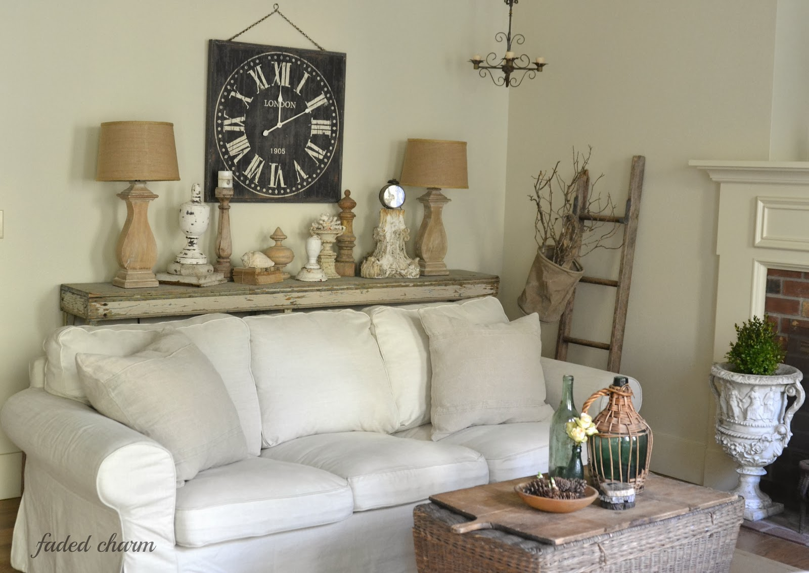 Savvy Southern Style My Favorite Room Faded Charm