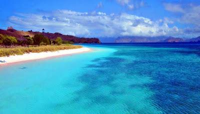 Pantai Pulau Padar