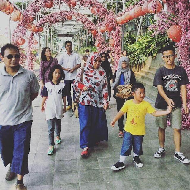 liburan bersama keluarga besar