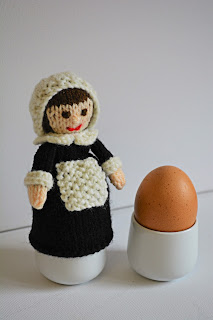 https://www.etsy.com/uk/listing/533976708/pilgrim-doll-egg-cosy-susanna-pilgrim?ref=shop_home_feat_4