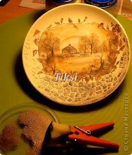 http://prazdnichnyymir.ru/masterskaja-podarkov/11300/jaichnaja-skorlupa-kak-material-dlja-dekora/