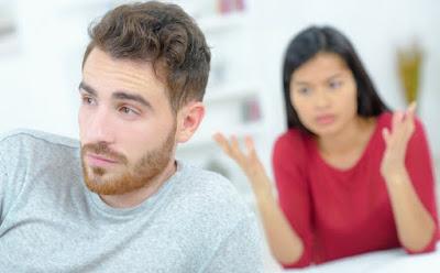 Hal yang Tidak Boleh Dilakukan Pria saat Wanita PMS