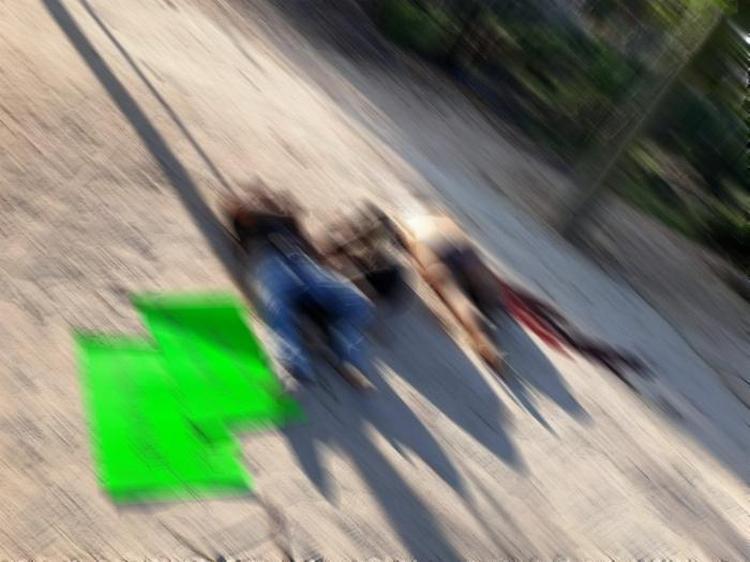 Fotos, Sicarios dejan maniatados y ejecutados a tres sujetos en Zihuatanejo, Guerrero.