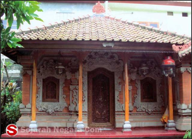 Foto Rumah ukir adat Bali