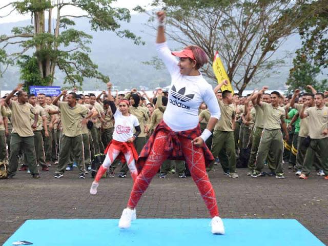 Eratkan Silahturahmi, TNI-POlri Gelar Olahraga Bersama di Lantamal IX