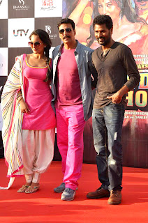 Sonakshi Sinha, Akshay Kumar and Prabhu Dheva at Movie 'Rowdy Rathore's Promotional rickshaw race